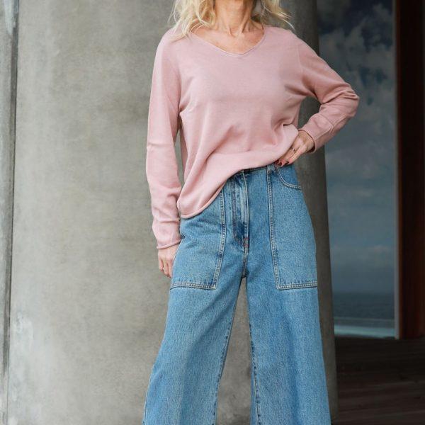 Seamless cotton sweater